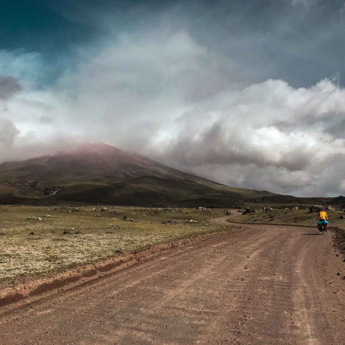 fietsen in ecuador, cotopaxi vulkaan