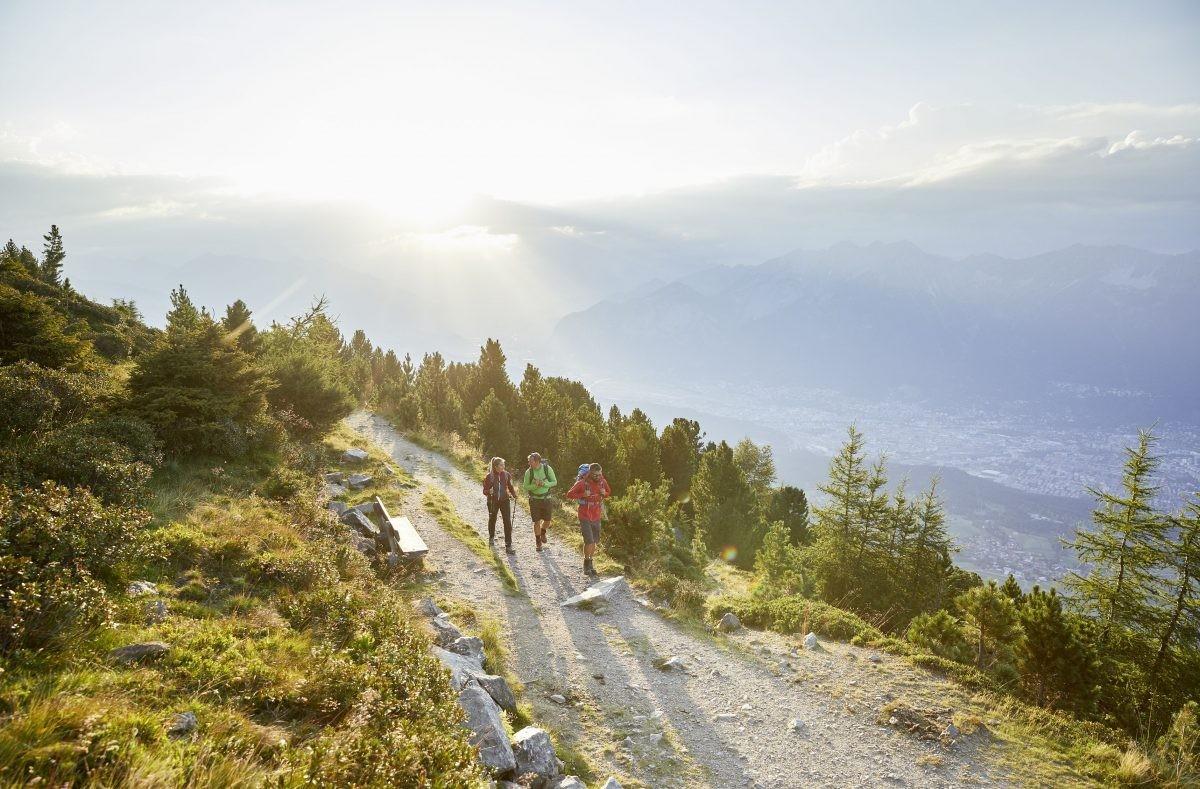 De Innsbruck Trek brengt je door de prachtige omgevaing in de bergen (c)ChristianVorhofer