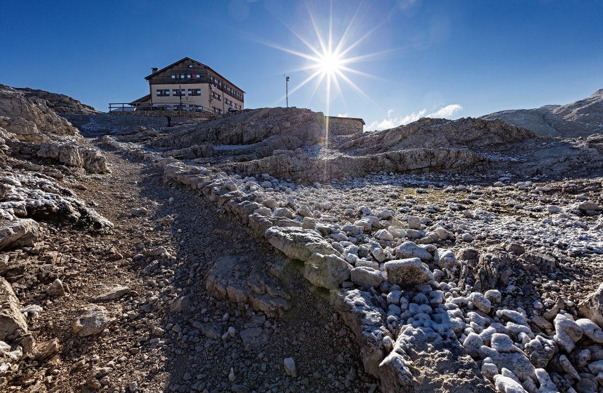 De berghutten liggen afgelegen en hoog in de bergen, zoals Rif. Rosetta © Fototeca Trentino Sviluppo S.p.A. - T. Forin