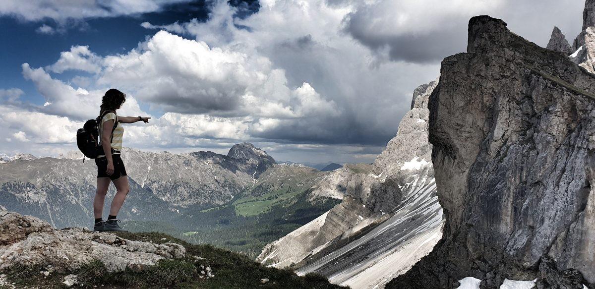 Prachtig uitzicht tijdens een wandeling over de Geisler Gruppe