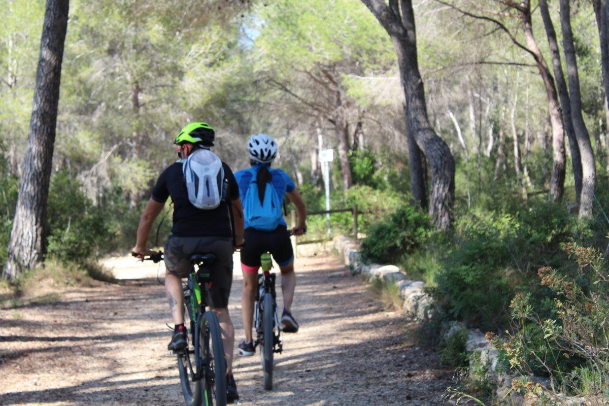 Het park (Parc Ecohistòric del Pont del Diable) nabij het aquaduct wordt veel bezocht door (lokale) wandelaars en fietsers.