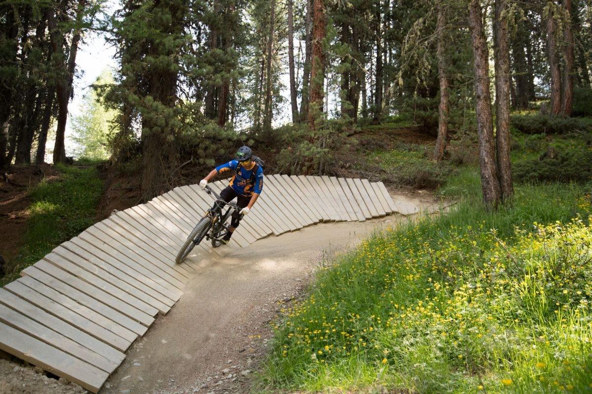Ook fanatieke fietsers komen hier aan hun trekken. Copyright: Livigno