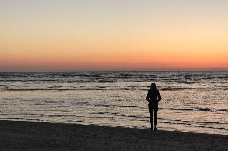 Prachtige zonsondergang op Kaap Kolka.