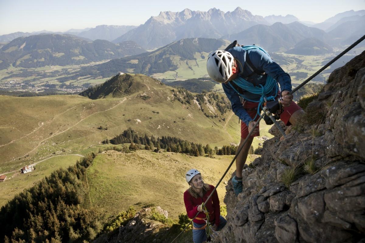 Klimmen voor de adrenalinejunkies, zoals hier op de Klettersteig Marokka. Foto: Robert Pupeter