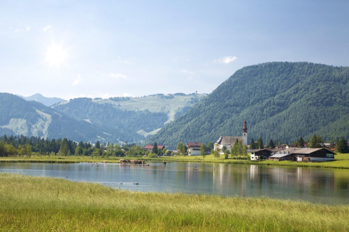 De route loopt langs St Ulrich am Pillersee © defrancesco