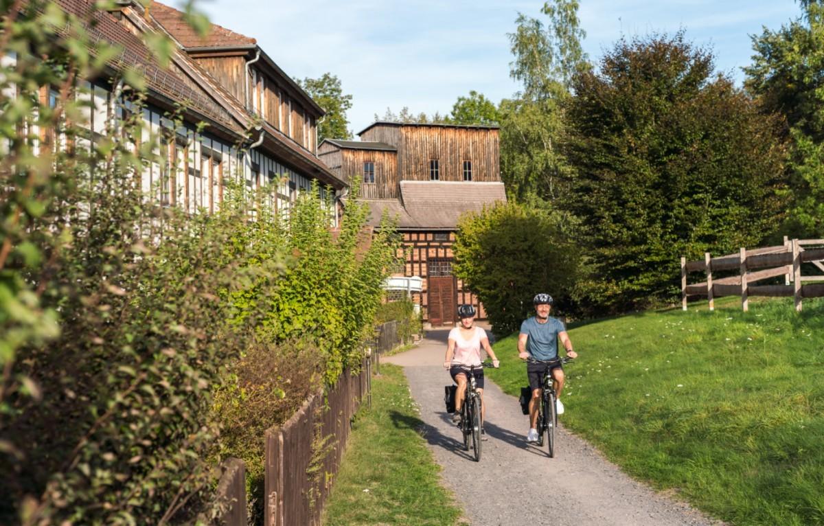 Bijna de hele route bestaat uit geasfalteerde fietspaden. Foto: Moritz Kert