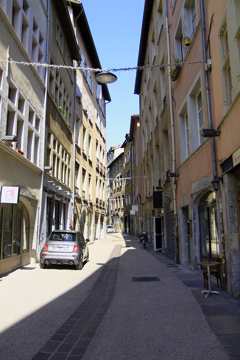 Smalle straatjes in Grenoble
