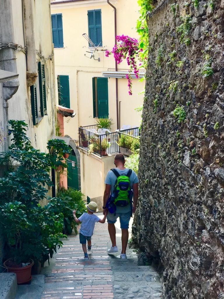 De smalle straatjes in Cinque Terre, in het laagseizoen nog rustig