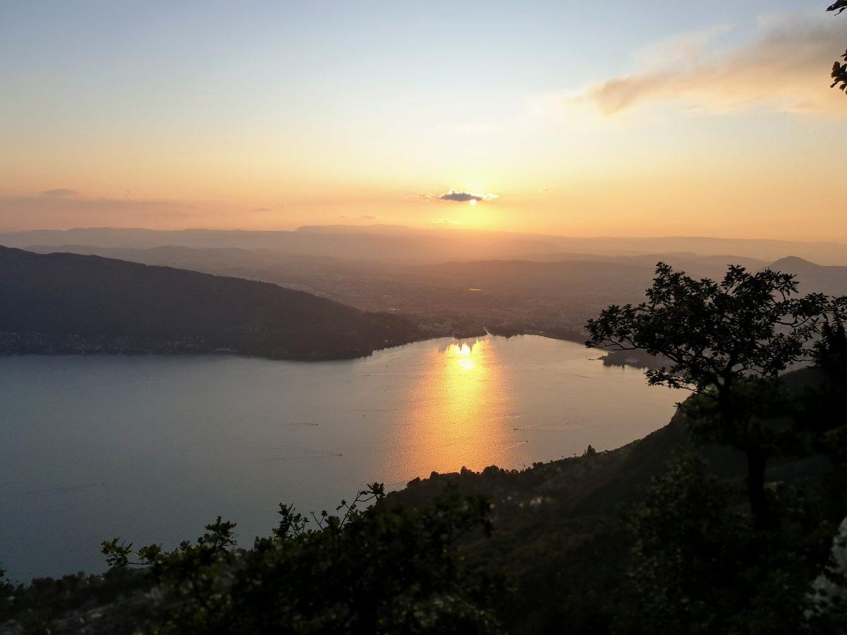 Zonsondergang vanaf het plateau. Foto: Sietske Mensing