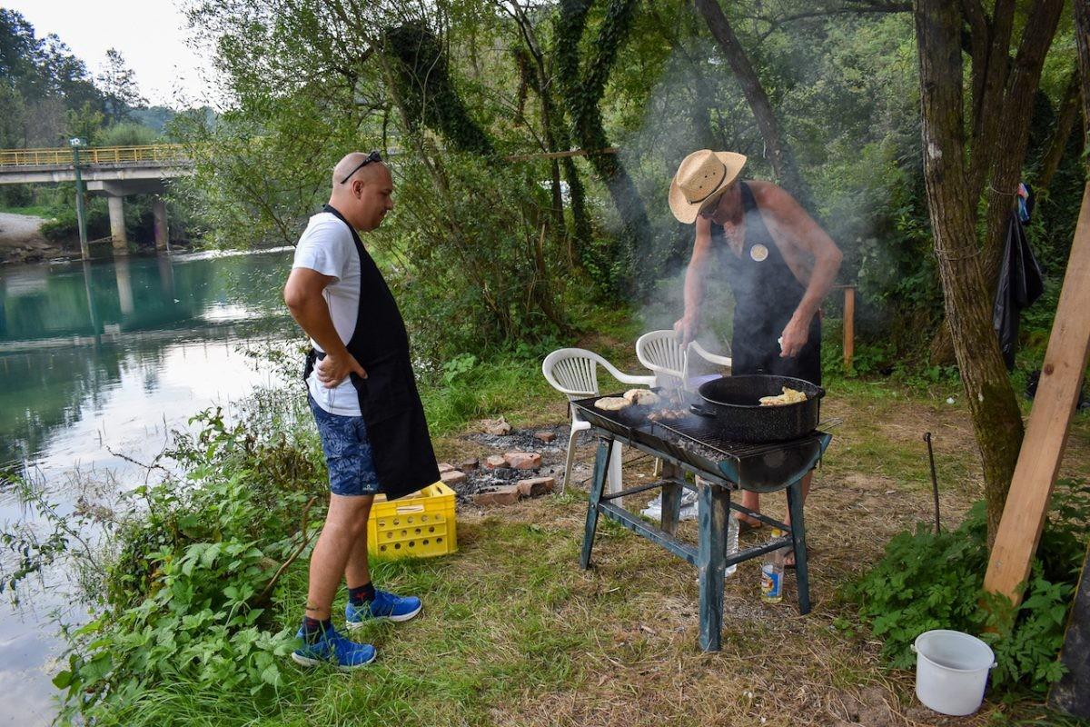 We sluiten af met een heerlijke barbecue. Foto Ilse Nijhof