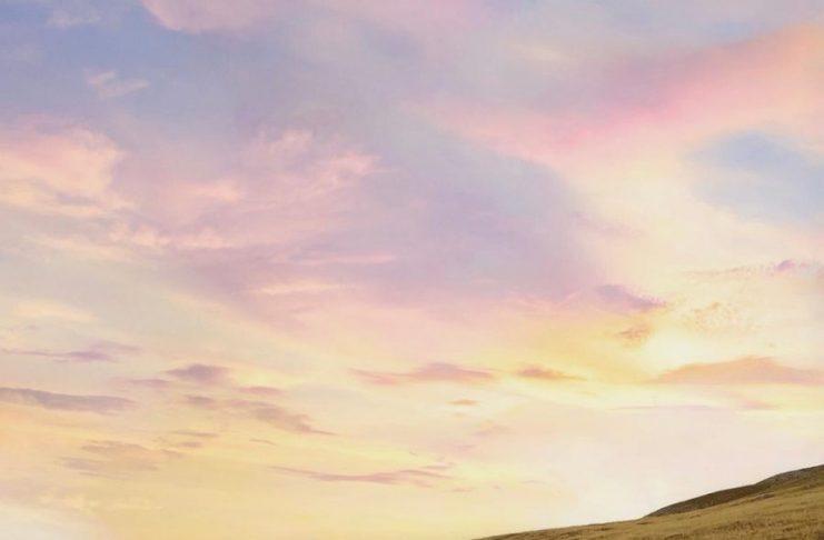 Heb je ooit zo de zonsondergang tegemoet gewandeld?   Fotocredits: Peter de Vries
