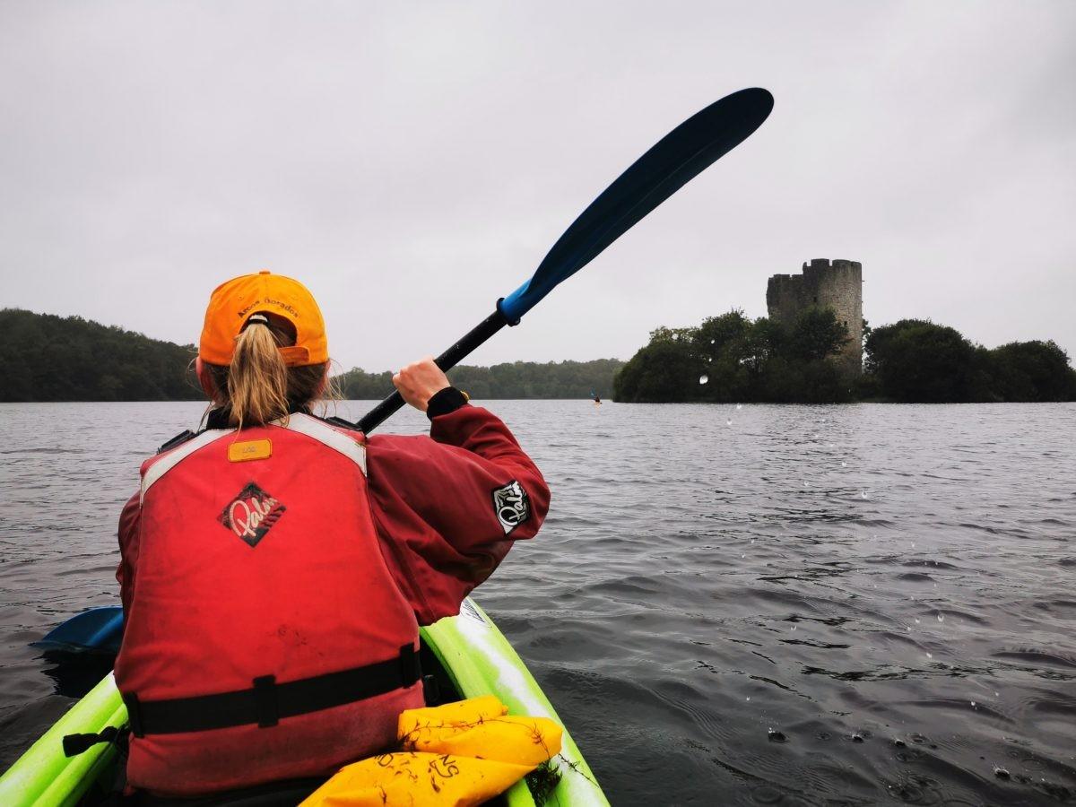 Kayakken op het Lough Ougther, Ierland