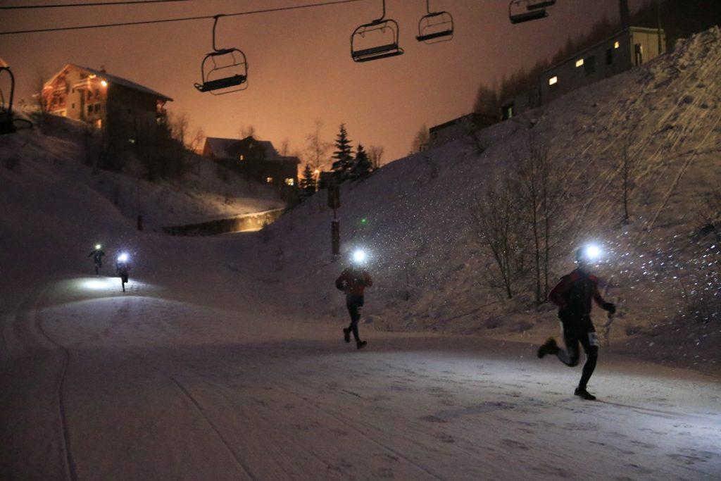 LES 2 ALPES NIGHT SNOW TRAIL Copyright © Office de Tourisme Les 2 Alpes / Monica DALMASSO