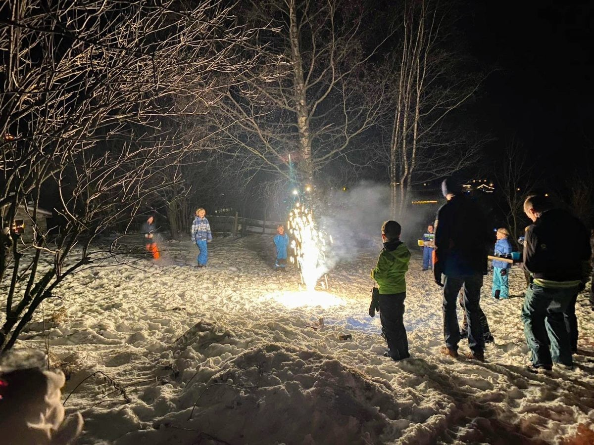 Vervroegde Oud & Nieuw in de bergen met vuurwerk voor de kinderen. Foto Sietske Mensing