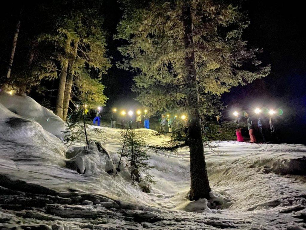 Op pad met sneeuwschoenen door het winterwonder landschap. Foto: Proefhotel