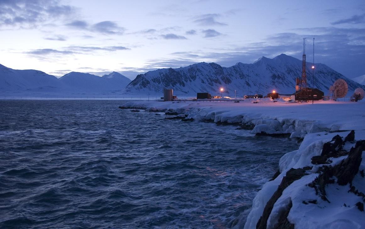 Zee, sneeuw, ijs, bergen en gletsjers, zover het oog reikt. Foto: Askja Reizen