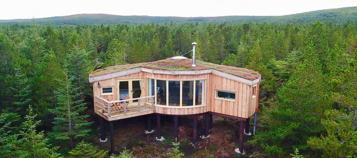 Treehouse cabin. Copyright: Uist Forest Retreat