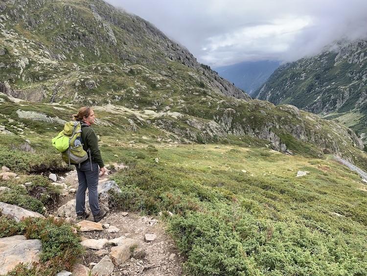 We zijn bijna bij de laatste refuge; de la pierre á Bérard. Tour des Aiguilles RougesFoto: Dagmar Wolters