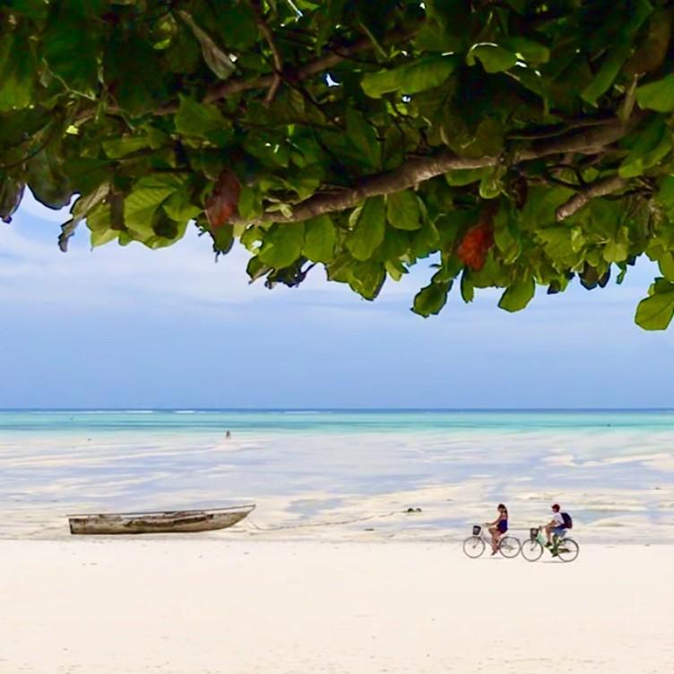 Rechtstreeks vliegen op Zanzibar kan ook. Foto: Pauline van der Waal