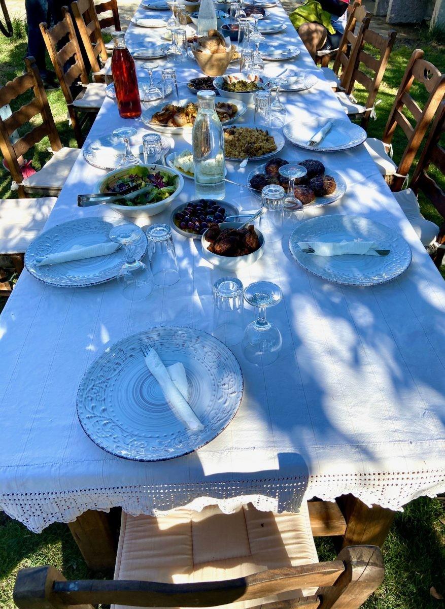 Een prachtig gedekte tafel Foto: Maaike de Vries