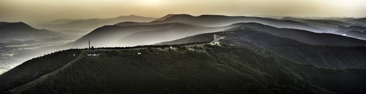 Radhošť in de mist. Foto: Jiri Jirousek