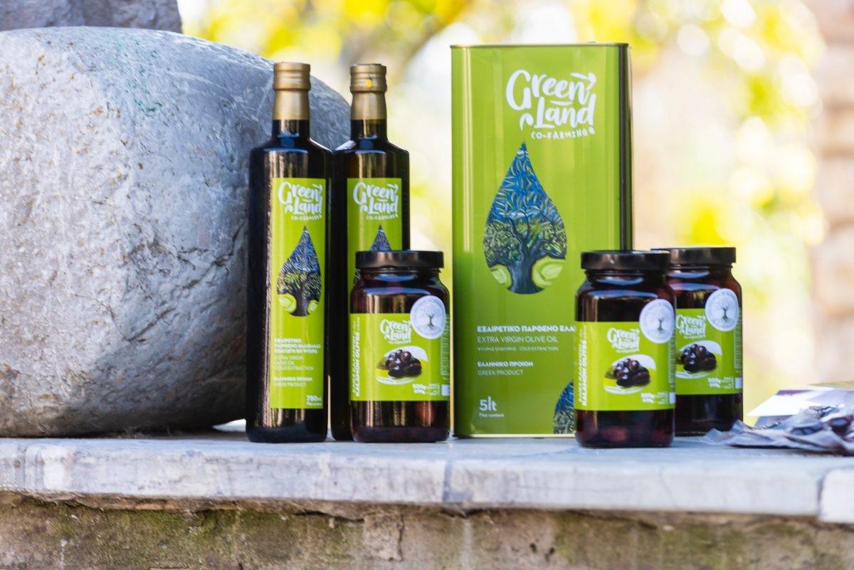 We krijgen eigengemaakte olijfolie mee. Foto: STELLIOS/ MBike