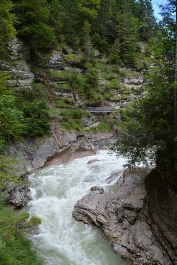 Wassend water in de Tiefenbachklamm
