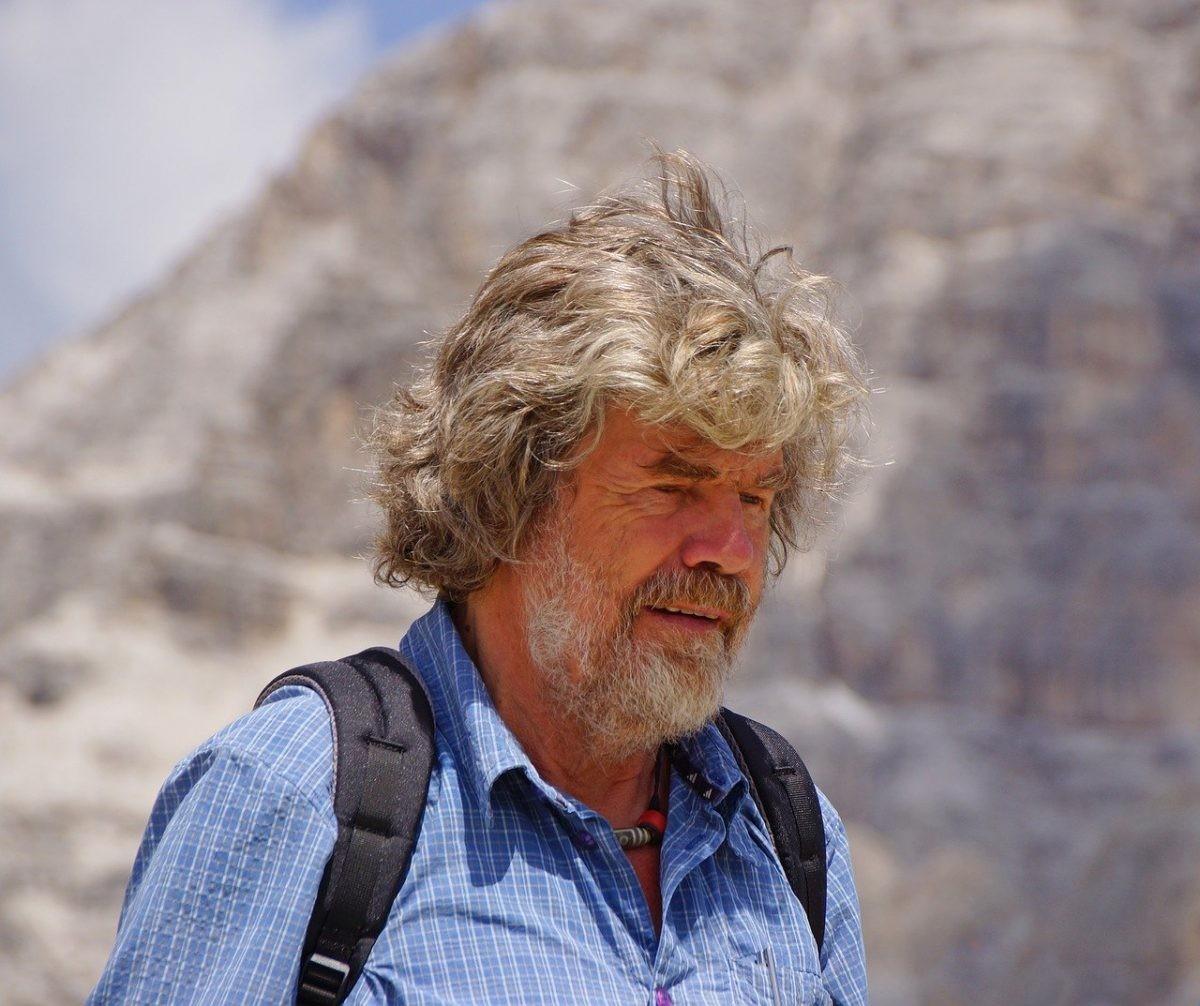 Reinhold Messner heel wat jaren later, maar nog steeds in de bergen. Foto: Pixabay