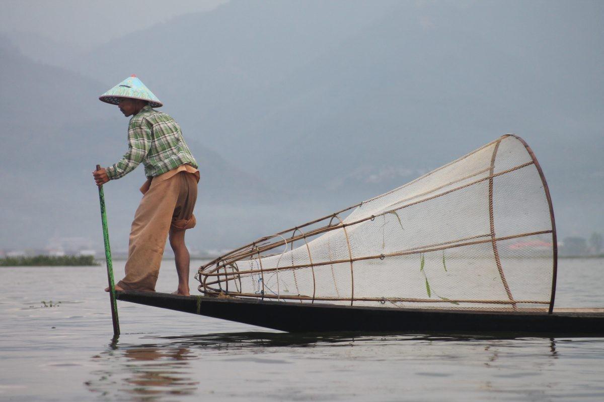 Visser op Inle Lake. Foto: Anouk Kelhout