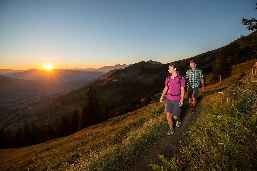 Ook een wandeling tijdens zonsondergang behoort tot de mogelijkheden. Foto: © KitzSki Werlberger