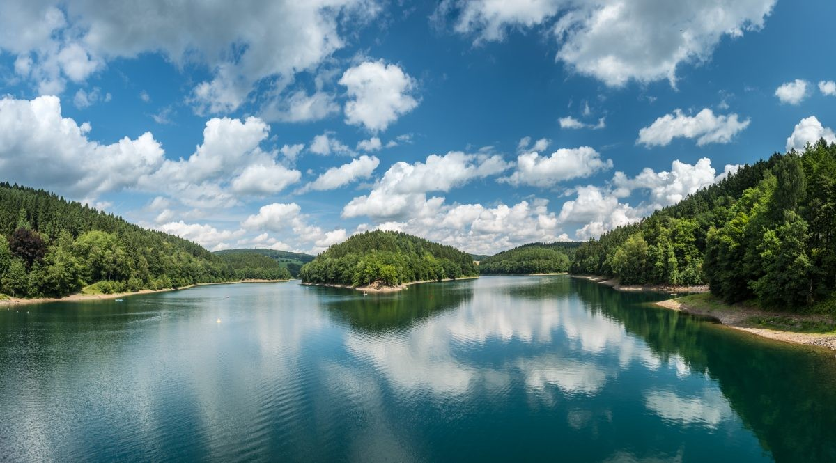 Fietsen langs rivieren en meren in het Bergisches Land. Foto: Dominik Ketz