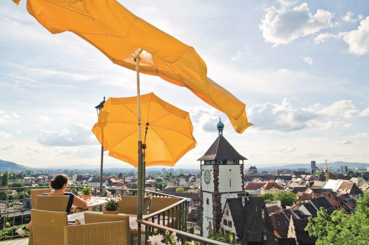 Uitzicht over Freiburg vanaf de Schwabentor. Foto: FWTM Schoenen