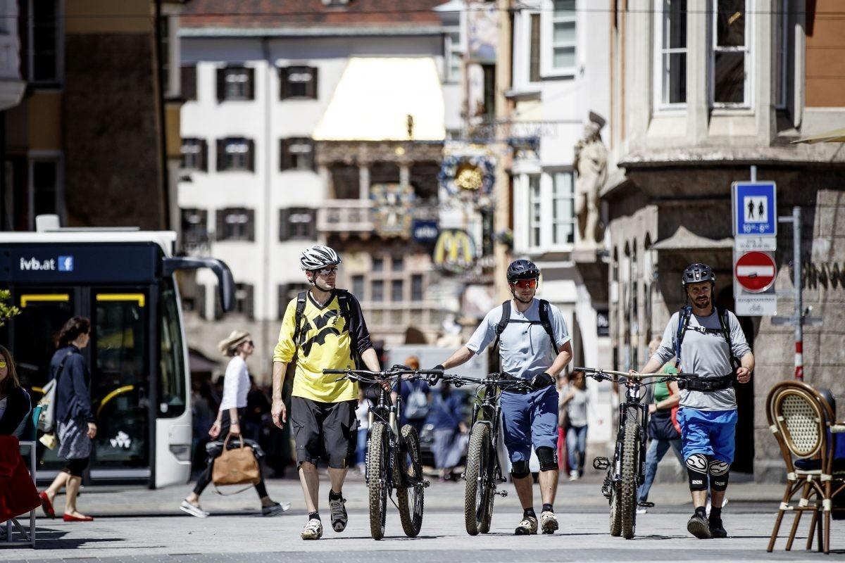 Nergens is het buitenleven en de stad zo met elkaar verbonden als in Innsbruck. Foto: Innsbruck Tourismus, Haiden