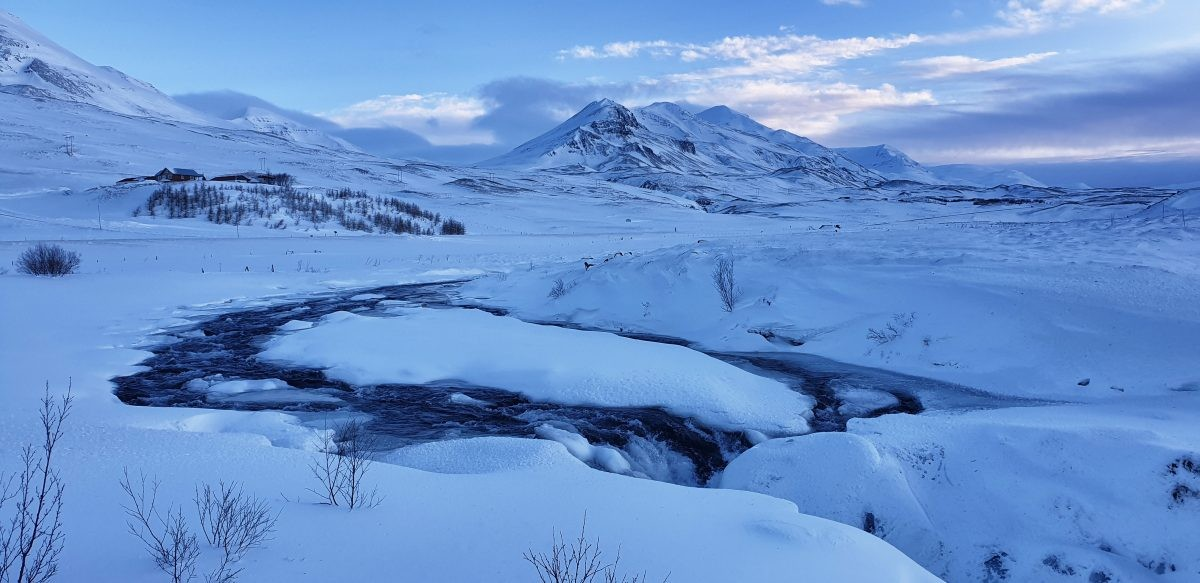 Onderweg van Egilsstaðir naar Mývatn