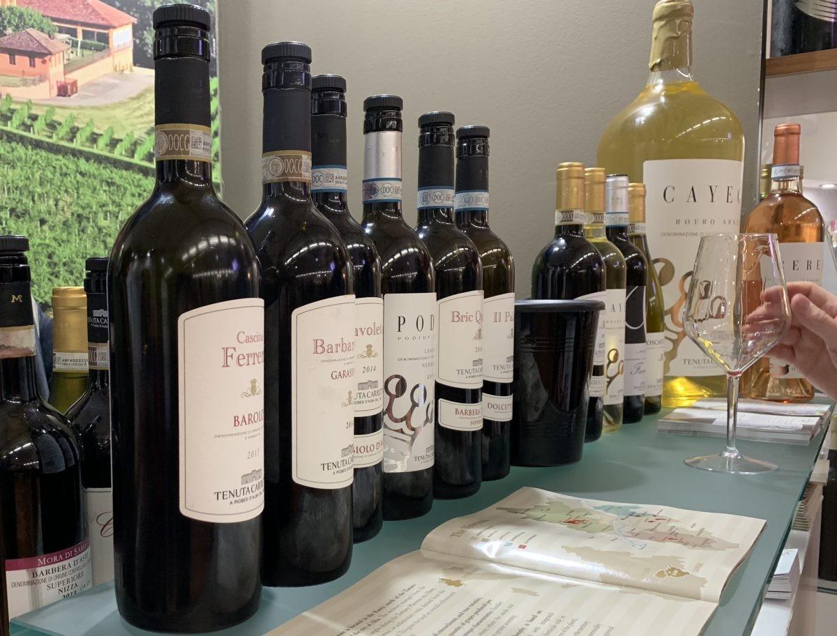 lokale Piemontese wijnen op de Fiera de Tartufo bianco in Alba
