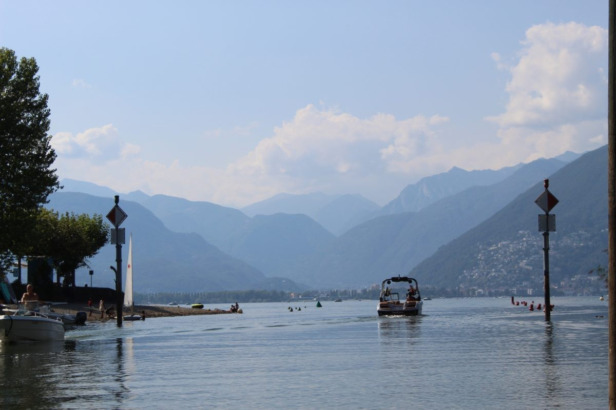 Blauw, blauwer, blauwst: afkoelen in het Lago Maggiore