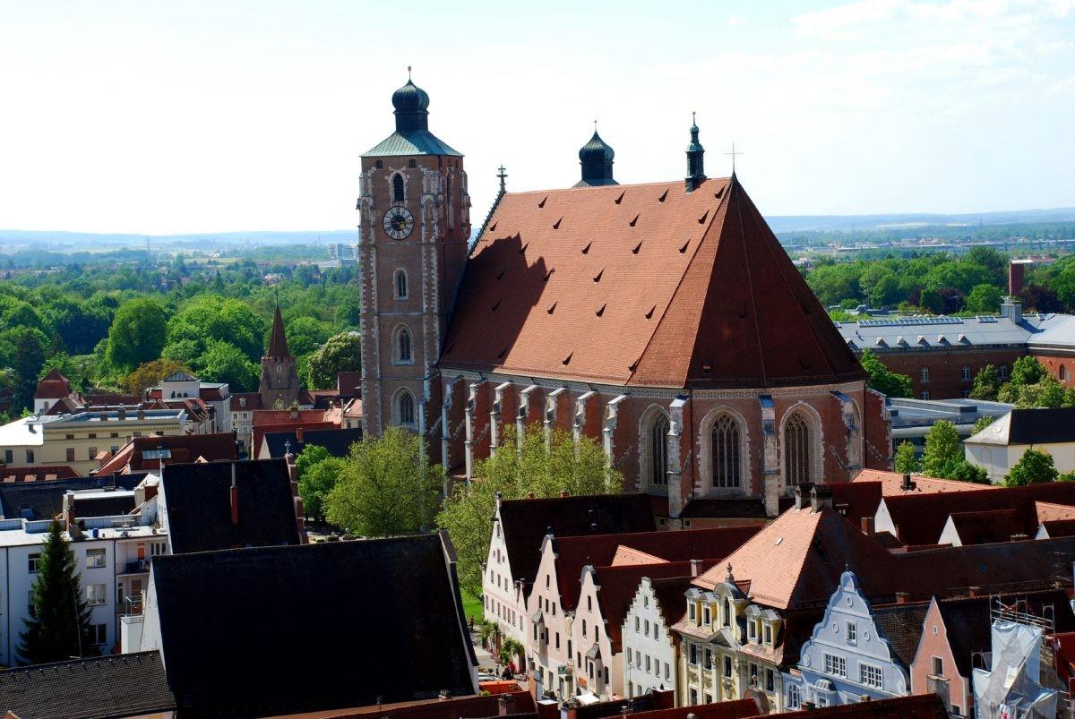 Ingolstadt is zowel in de historische binnenstad als de groene omgeving rondom prachtig. © www.bayern.by