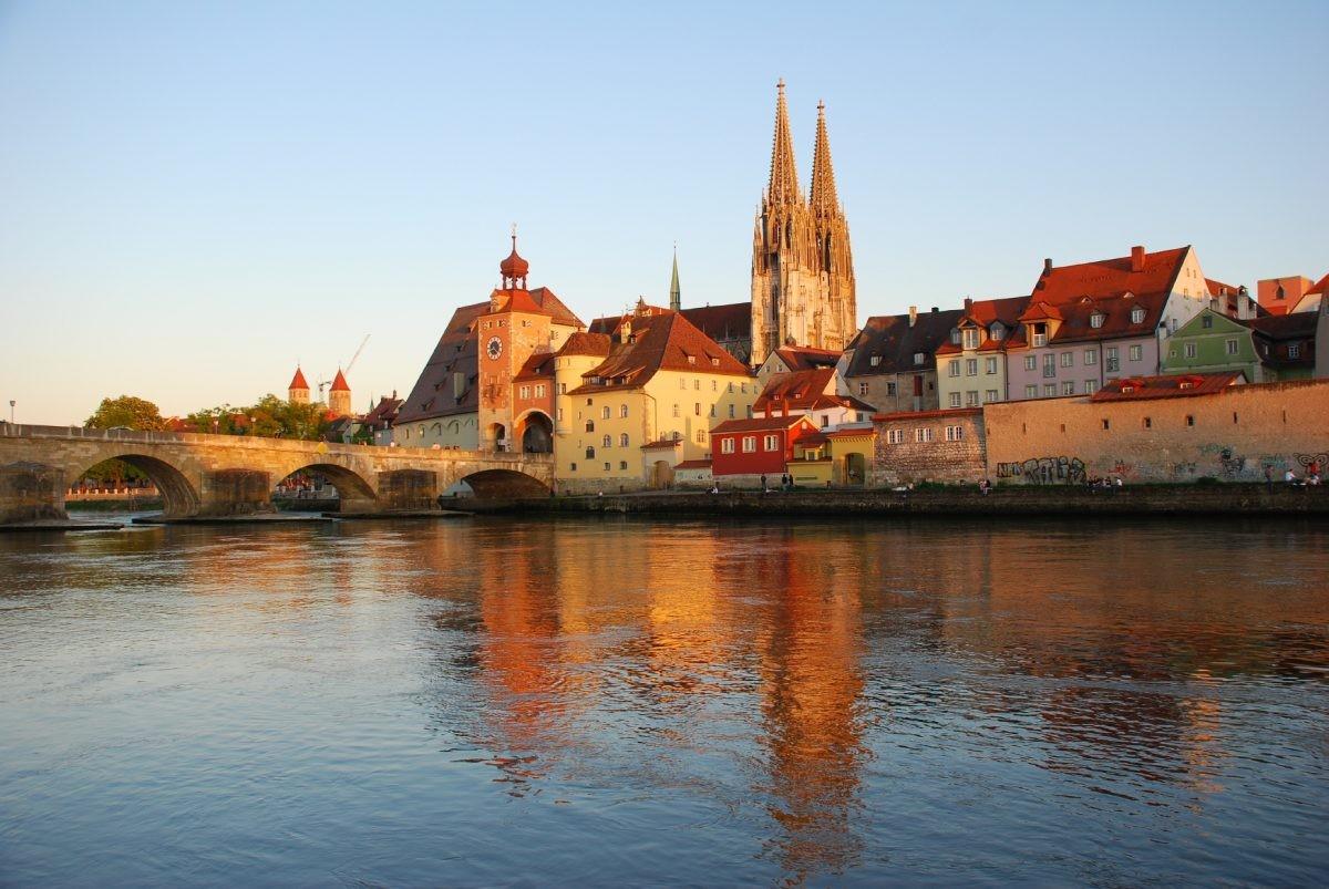 De kleurrijke huizen van Regensburg. Foto: www.bayern.by