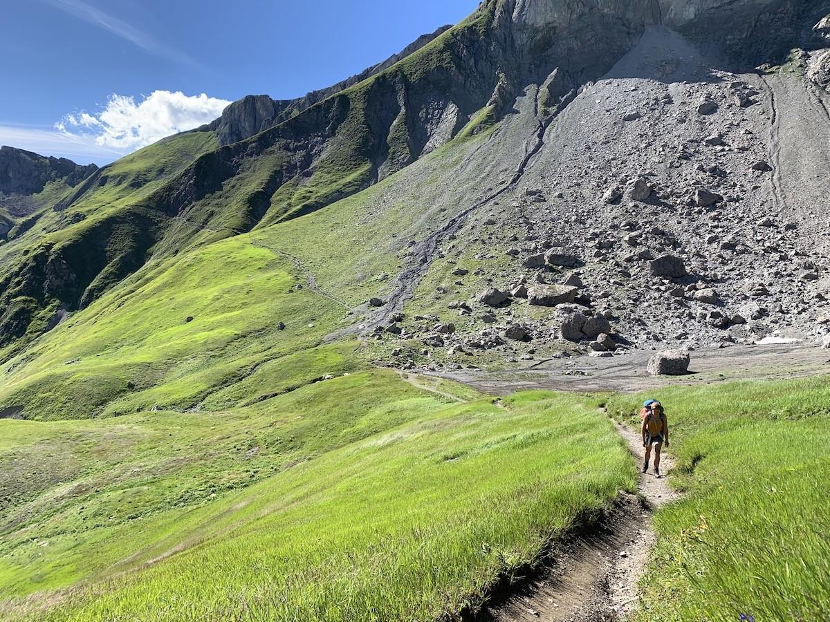 Lechtaler Höhenweg groene vlaktes Oostenrijk huttentocht