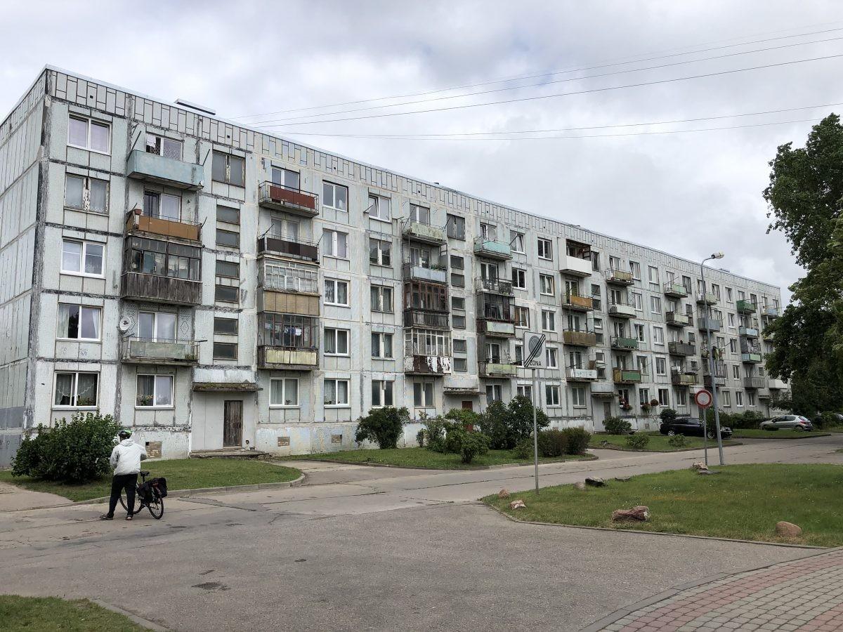 Liepāja, vele oude flats uit de Sovjet tijd