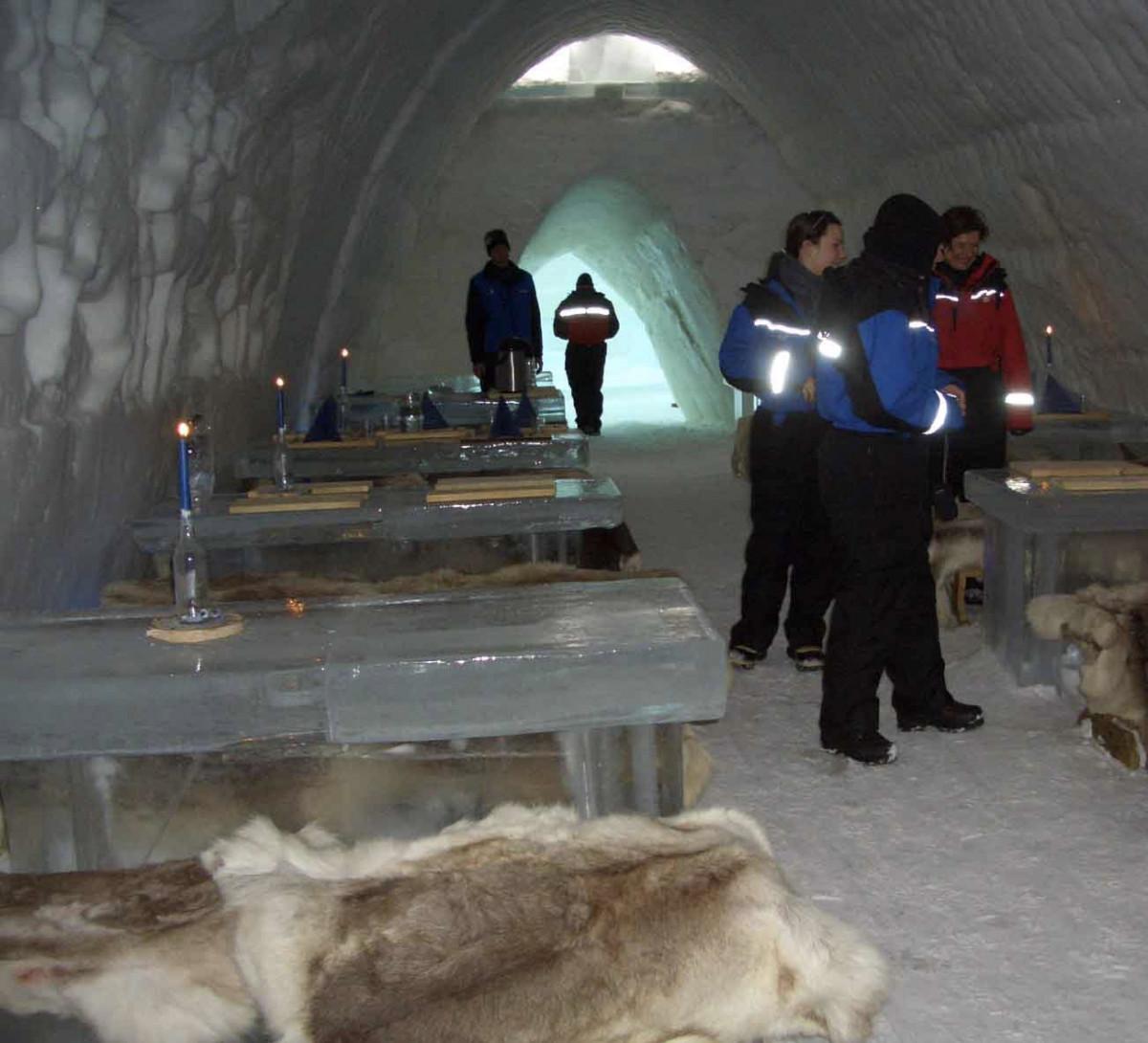 een bezoek aan een ijshotel