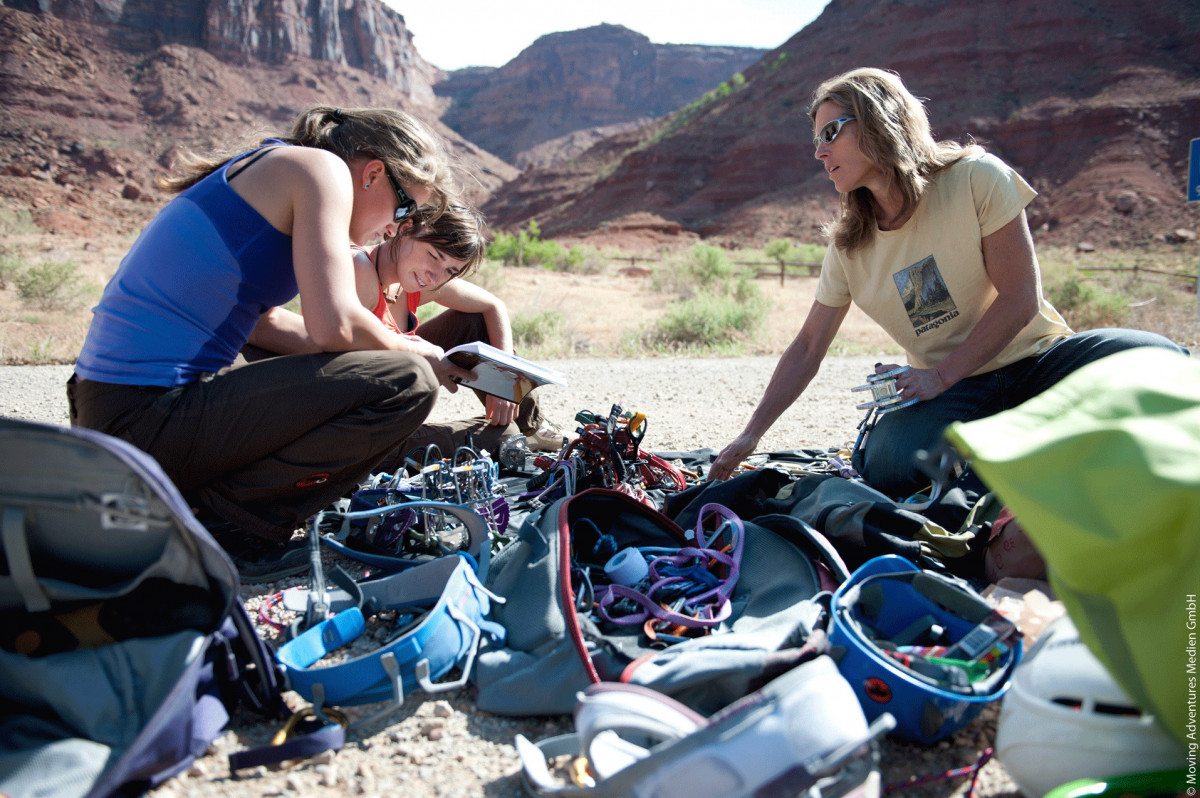 EOFT_BASECAMP_EPISODE_FOUR_Outside_The_Box_Low_Res_01
