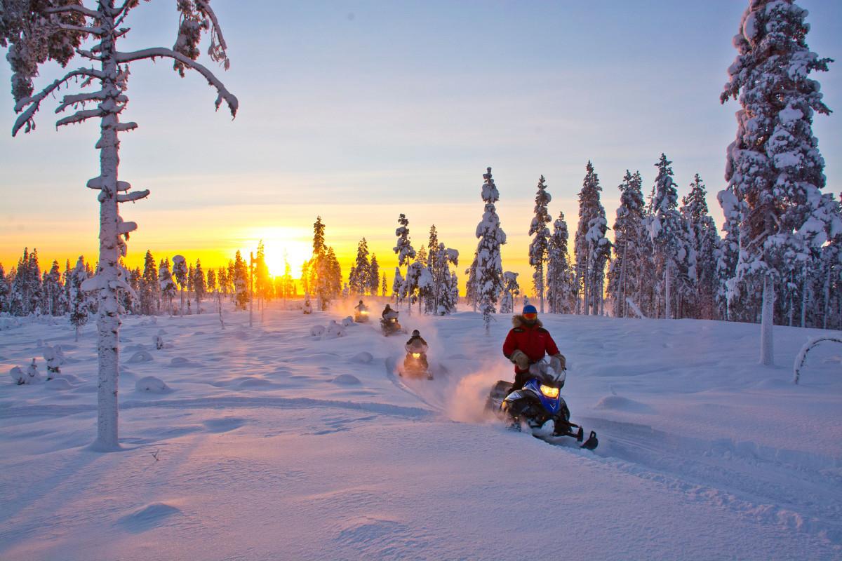 Durf jij door het witte wonderland te crossen op je sneeuwscooter?